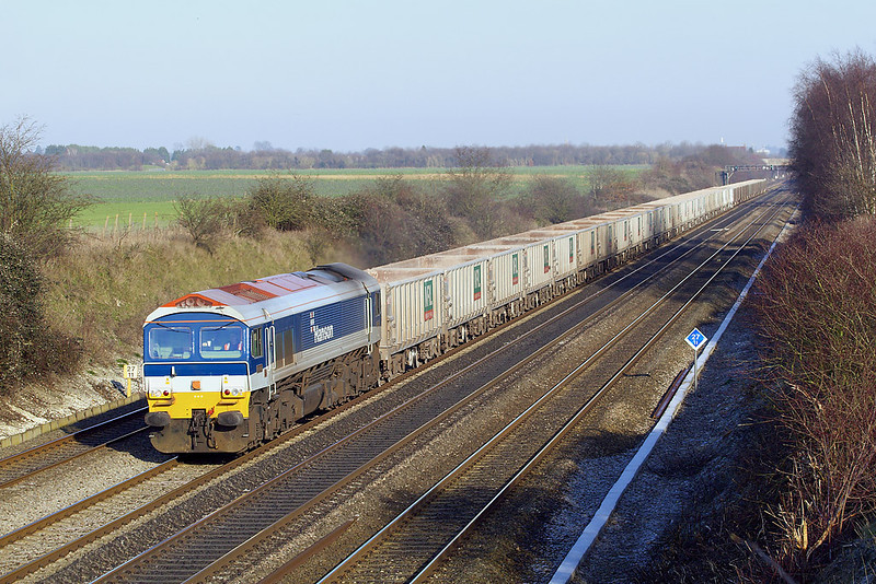 7th Feb 07:  With the frost still laying in the shaddows 59103 leads 7C77 from Acton to Merehead through Shottesbrooke