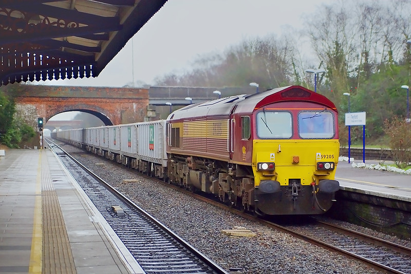 23rd Feb 07:  Clattering down the relief is 59205 on 6V77 Acton to Merehead stone empties