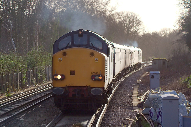 2nd Jan 07: 37609 now leads as it gets to Virginia Water.  At Clapham Junction it will reverse and return to take the Chersey line to get to Woking