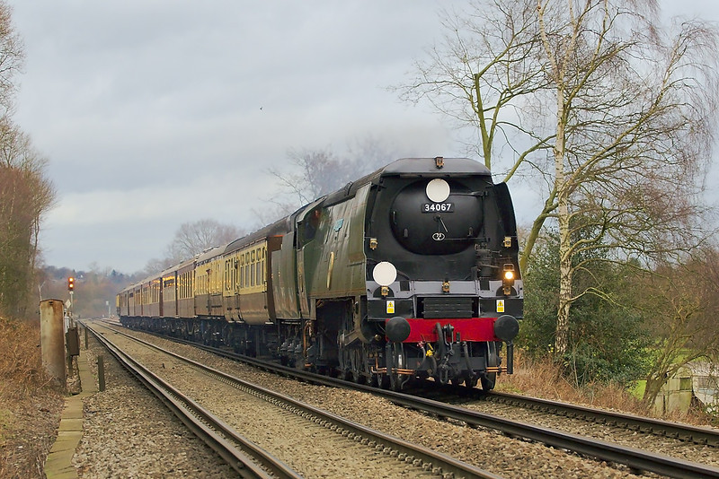 12th Jan 07: Despite the evidence Tangmere is working quite hard as it climbs the last 1/2 mile to Virginia Water Station