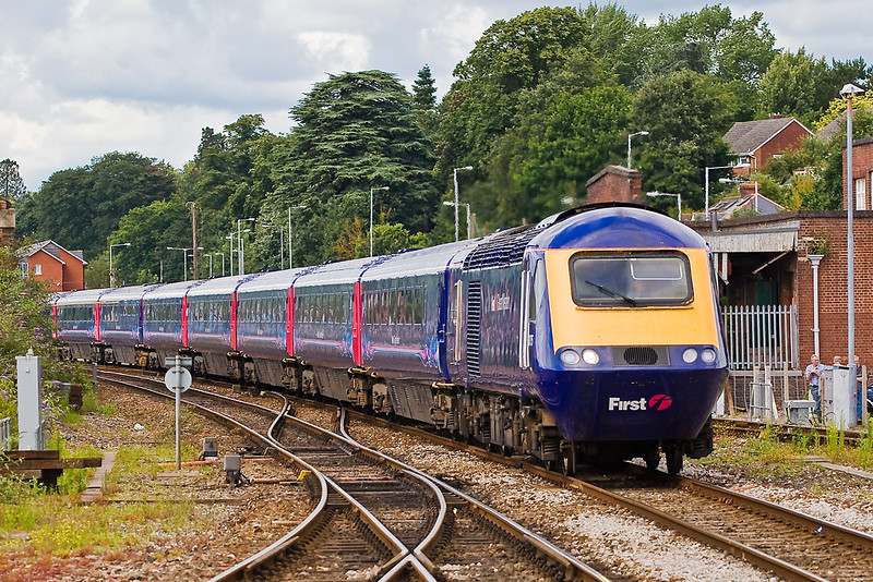 8th Jul 07:  Arriving at St David's is 43025 bound for Penzance