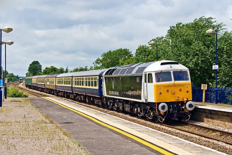 2nd July 07:  47832 in it's sparkling new livery slowly passes Taplow. 6Z79 is the working to return the coaching stock to Old Oak Common.  The mixture of Mk 1s & 2s were used for a steam tour from Taunton to Brighton and return on the 1st July