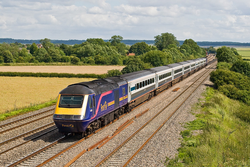28th Jun 07:  For the second time in the day the Midland Main Line set, tailed by 43088, races towards London