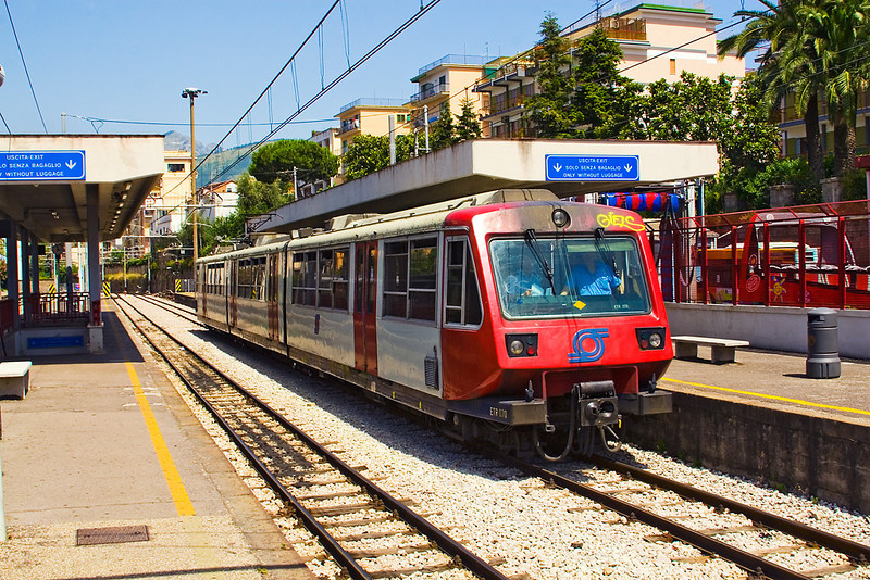 18th Jun 07:One of the few sets not covered in grafitti ETR 070 enters Sorrento. Trains run every 30 minutes and are very well used which is not surprising when the flat rate fare is only 1 Euro.