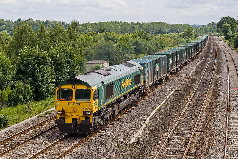 28th Jun 07:  66530 returns west. It will cross to the main line at South Moreton just east of Didcot
