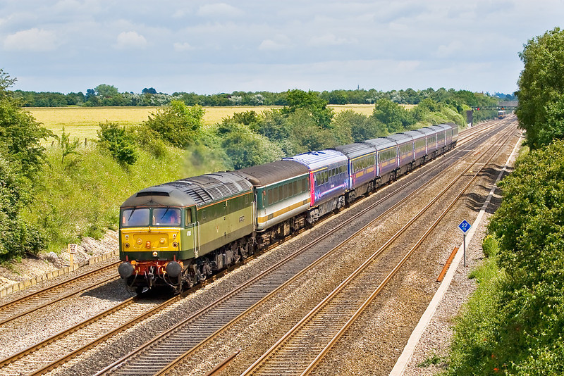 26th Jun 07:  Unusually routed via the GWML 47815 Great Western trundles through Shottesbrooke with the 5Z92 Ilford to Derby stock move