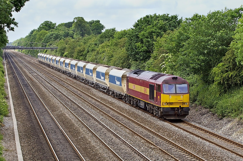 31st May 07:  60096 is pleasant power for the unusual  6Z48 Appleford to Ardingly stone working