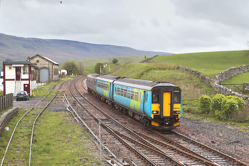8th May 07: 156475 slows for the stop at Kirkby Stephen. It departed Leeds at 08.49
