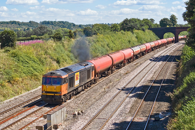 8th Aug 07:  60007 and 6B33 makes a nice colour combination
