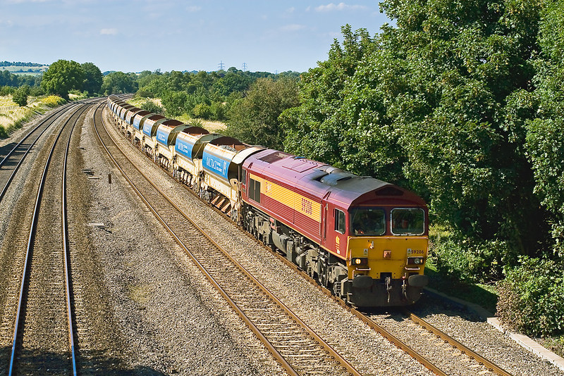 5th Aug 07:  59206 heads 6W21 13.00 Hinksey to Westbury Autobalasters.  59204 was on the rear