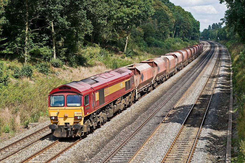 7th Aug 07:  6V18 has an unusual consist of RMC hoppers as it works from Hothfield rather than Hither Green