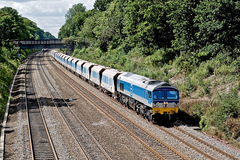 "16th Aug 07:  59002 ""Alan J Day"" on  7A09 plods through Sonning Cutting heading to Acton from Merehead"