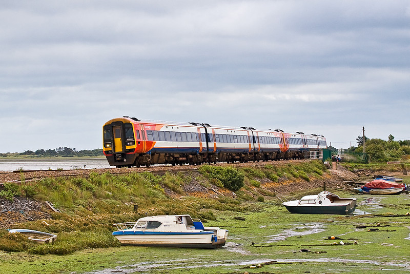 18th Aug 07:  159108 leads on the 14.06 Plymouth to Waterloo.