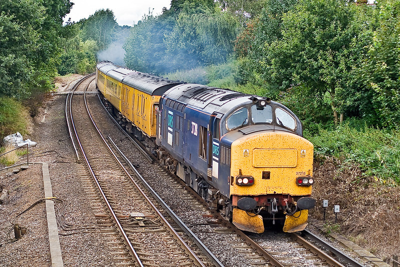 13th Aug: 37218 is now leading as. making a loveley noise, the pair climb away from Wokingham.