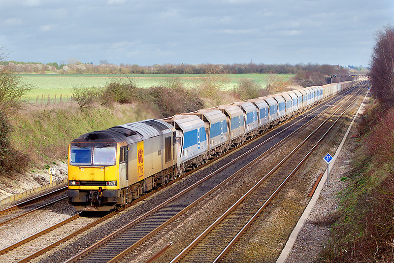 1st Mar 07:  60072 is unusual power for 7C77 the Acton to Merehead stone empties