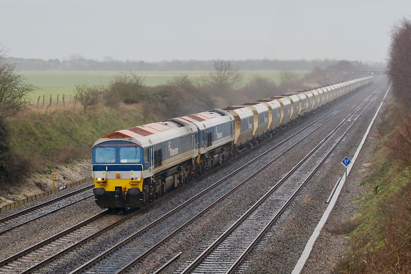 5th Mar 07: 6V18 from Hither Green with 59103/104 on the point passes Shottesbrooke in driving rain