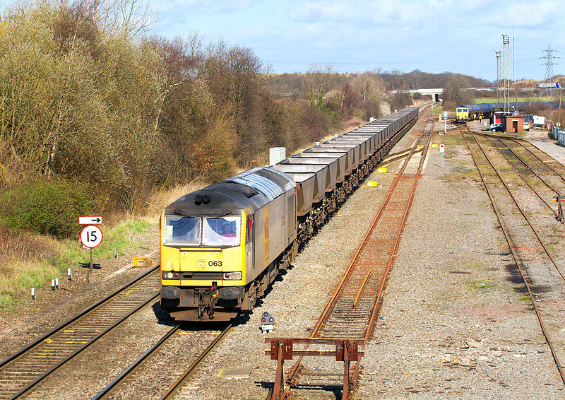 6th Mar 07:  60063 with 6H07 the Toton to Daw Mill empties
