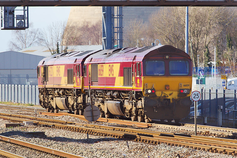 18th Mar 07:  66159/221 head slowley to the West