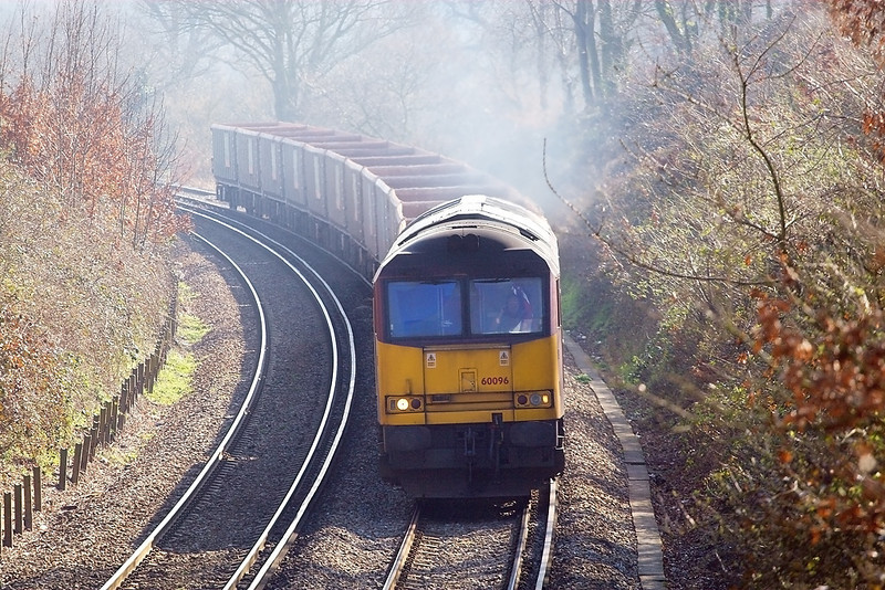 14th Mar 07:  60096 powers through with 6V92 Woking to Acton empty stone boxes