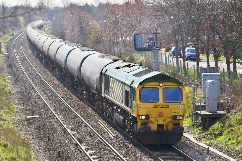 6th Mar 07:  The driver of 66601 is pushing back to the signal with empty tanks ready for the return North