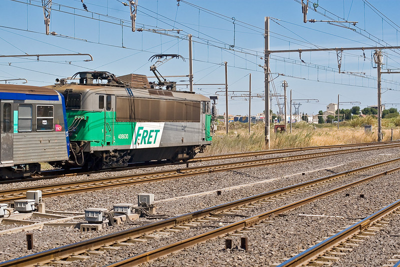 4th Sep:  I only saw one of these trains in 6 hours at Sete.  408630 leaves for Montpellier with a stopping service