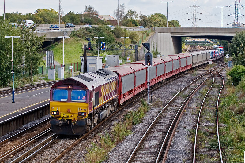 26th Sep 07: With the consist now complete 66108 heads 6M58 the 14.10 to Bescot