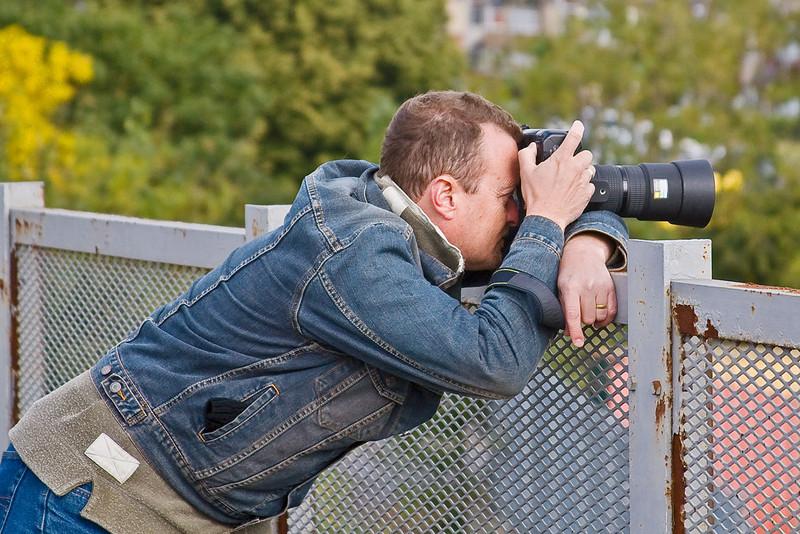 26th Sep 07:  Chris Nevard lines up the next shot