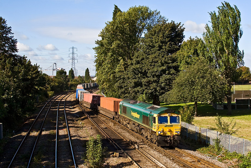 26th Sep 07: Using the crossing ladder at the East end of the Maritime terminal is 66568 on 4M58 the 11.00 to Ditton
