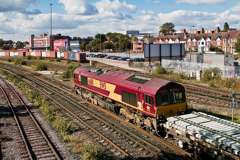 26th Sep 07:  66110 returns to Westbury.  The load for 7V41 was new concrete sleepers