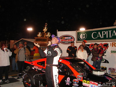Burt Meyers wins the 125 lap mod race