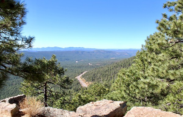 Looking down at Highway 260 from the Mogollon Rim (2017)