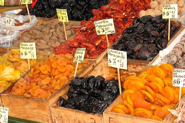 Outdoor market, Buenos Aires (Argentina)