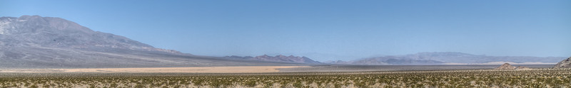 038 Silurian Valley, Silurian dry lake on the left, Dumont Dunes on the right
