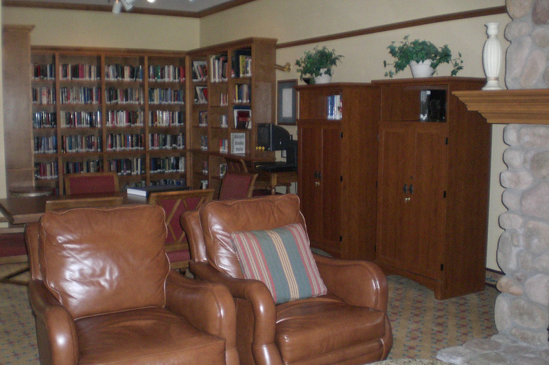 Library and computer area in main lounge