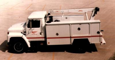 #TBT: Service Trucks International/Tiger Cranes