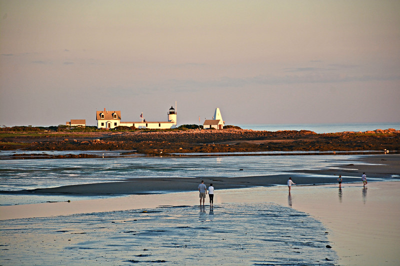(Very) low tide in Cape Porpoise Harbor allows a commanding view of Goat Island Light