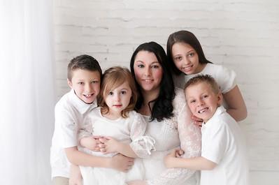 Mommy, Madelyn, Owen, Raiden, & Presley