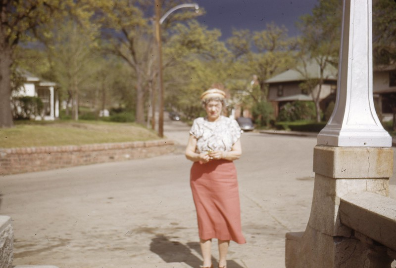 May 1950 - Mom Lloyd Co. in Bluffs