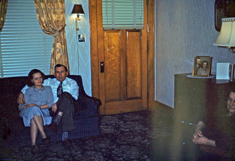 Jan 1950 - Agnes and Ed in their Front Room