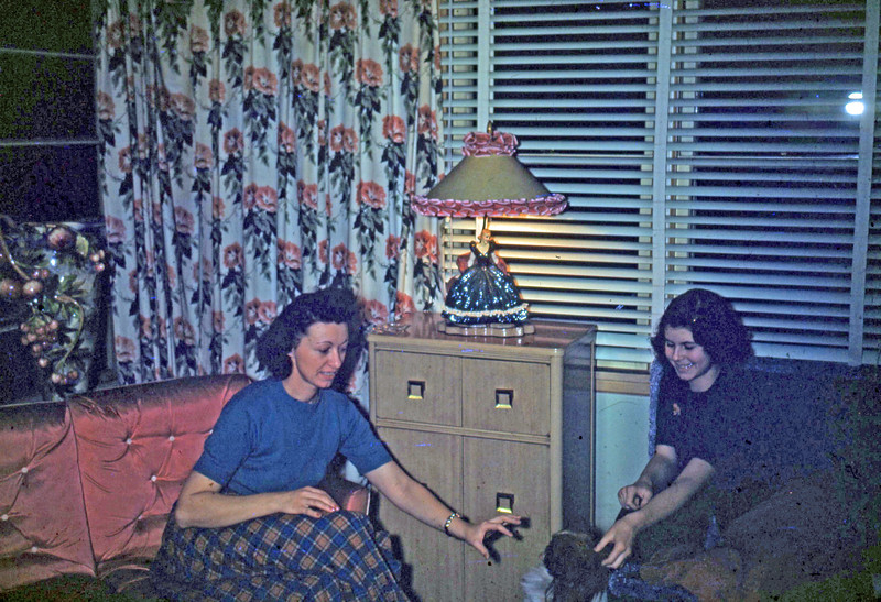 Dec 1949 - Elaine and Mother ,,, note dreaded apple vase on left