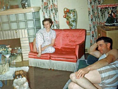 Dec 1949 - Dorothy and Stan at 2:00 A.M.      (and Pappy)