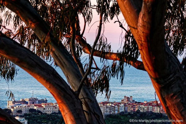 """MONACO. Monaco-Ville ou """"le Rocher"""".Le quartier le plus ancien et le siège du pouvoir de la Principauté de Monaco"""