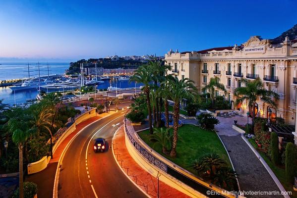 Monaco. L' hôtel Hermitage et le port Hercule