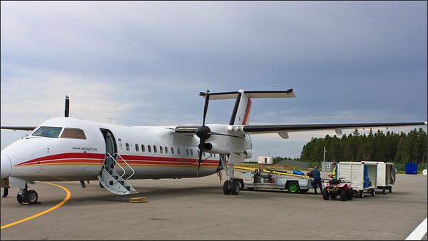 Dash 8 de Air Inuit à l'aéroport de Port-Menier