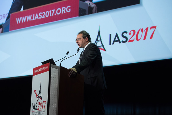 9th IAS Conference on HIV Science (IAS 2017) Paris, France. Copyright: Marcus Rose/IAS  Fast-Track Cities: Ending AIDS in High HIV Burden Cities and Municipalities by 2030 (MOSY05)   Photo shows:HIV care continuum measurement/monitoring: São Paulo's lessons learned, Esper Kallás, University of São Paulo, Brazil