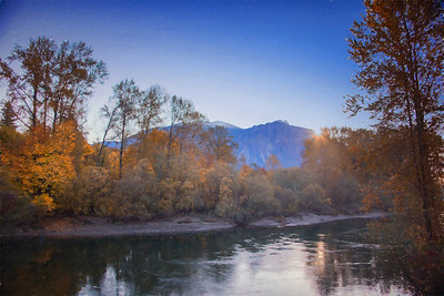 Fall sunrise over Mt Si Sno River from Ped Bridge Monet10-28-17