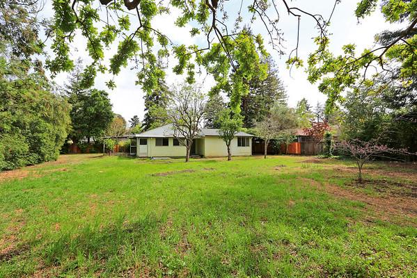 1038 Mundell Ct., Los Altos