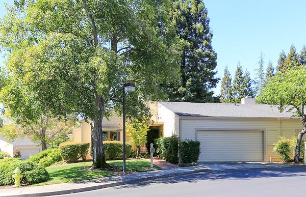 8 Alverno Ct, Redwood City