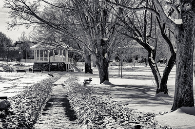 Leading lines to Gazebo, snow, mono
