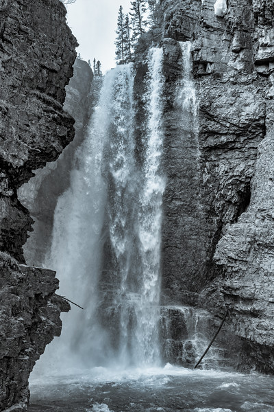 Upper Falls at Johnston Canyon